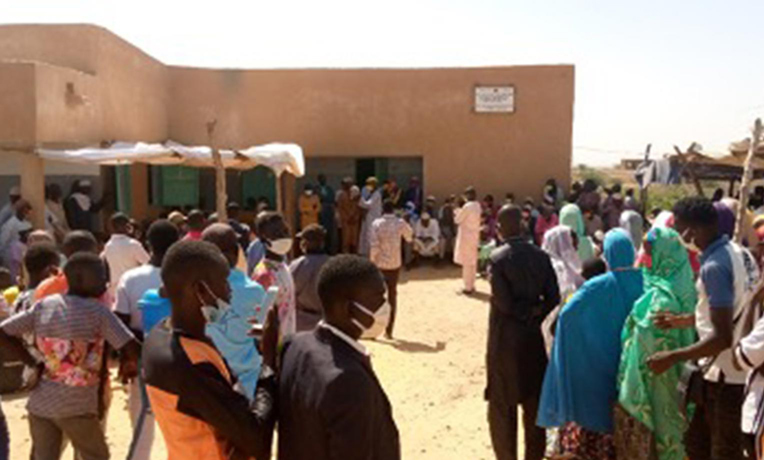 National and local leaders along with local residents joined with our staff and medical workers to celebrate the new healthcare center in southeastern Niger.